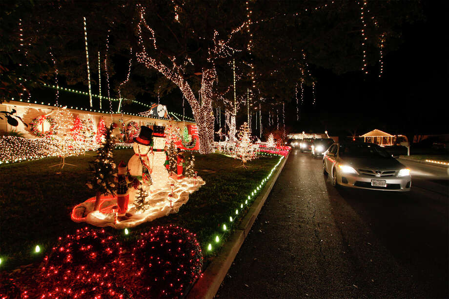 Do see what I see in Windcrest? Share it via @CityofWindcrest and #WindcrestLightUp Photo: MARVIN PFEIFFER / Express-News File Photo / Prime Time Newspapers 2013
