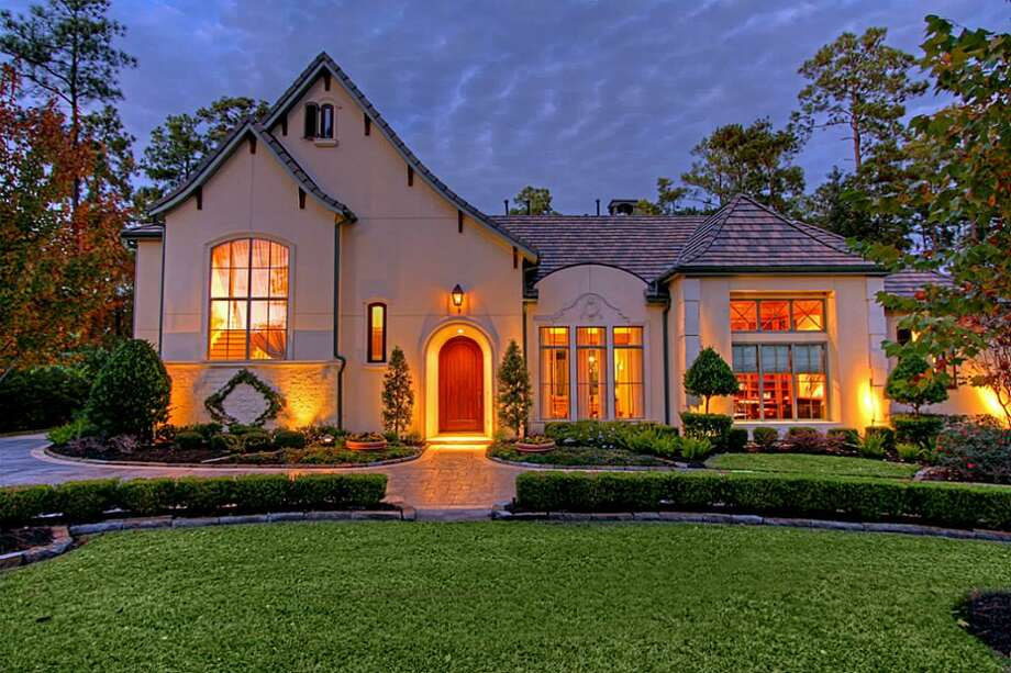 18 Glensheen WayThe Woodlands, TexasListing price: $2,495,0005 bedrooms / 5 full baths / 2 half baths  Photo: Houston Association Of Realtors