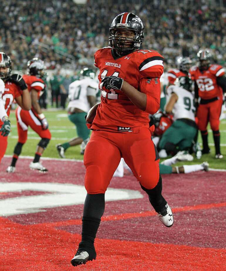 Westfield's Ed Oliver is the highest-ranked prospect in the recruiting service era to commit to the Cougars. Photo: Bob Levey, For The Chronicle / ©2014 Bob Levey