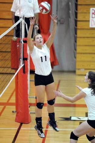 Burnt Hills' Jessica Dillon sets the ball during their volleyball game against Niskayuna on Thursday, Oct. 16, 2014, at Niskayuna High in Niskayuna, N.Y. (Cindy Schultz / Times Union) Photo: Cindy Schultz / 10028988A