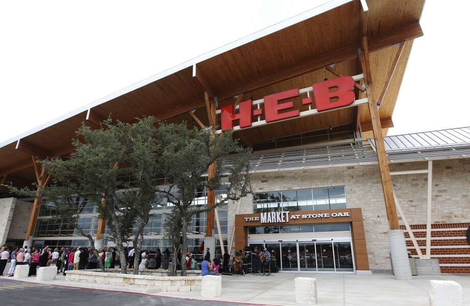 H-E-B placed seventh on Glassdoor's list of best places to work among companies with 1,000 employees or more. In this file photo, the San Antonio-based grocer's Market at Stone Oak opens in June. Photo: Kin Man Hui, San Antonio Express-News
