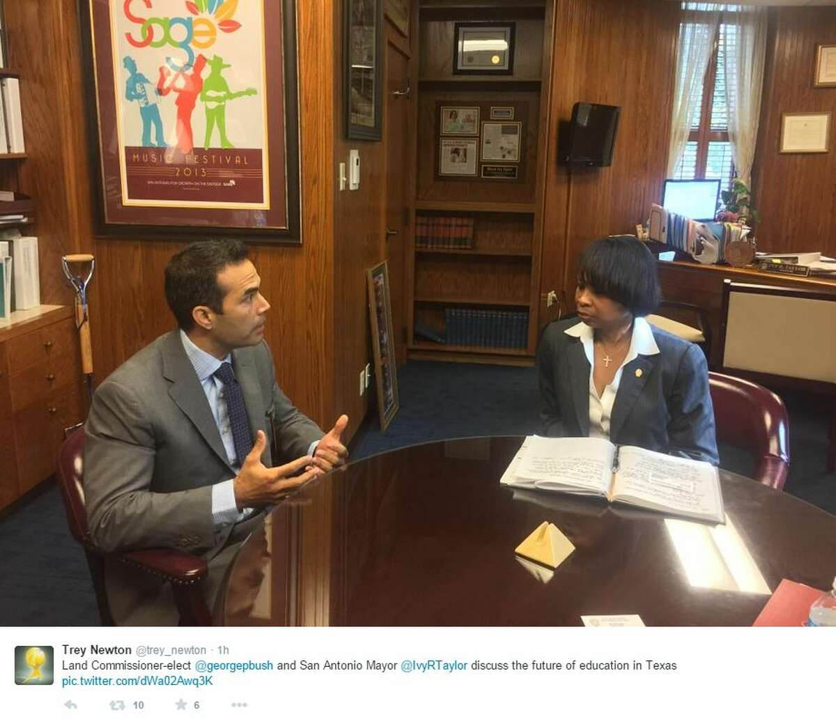 Land Commissioner-elect George P. Bush meets with Mayor Ivy Taylor on Dec. 10, 2014.