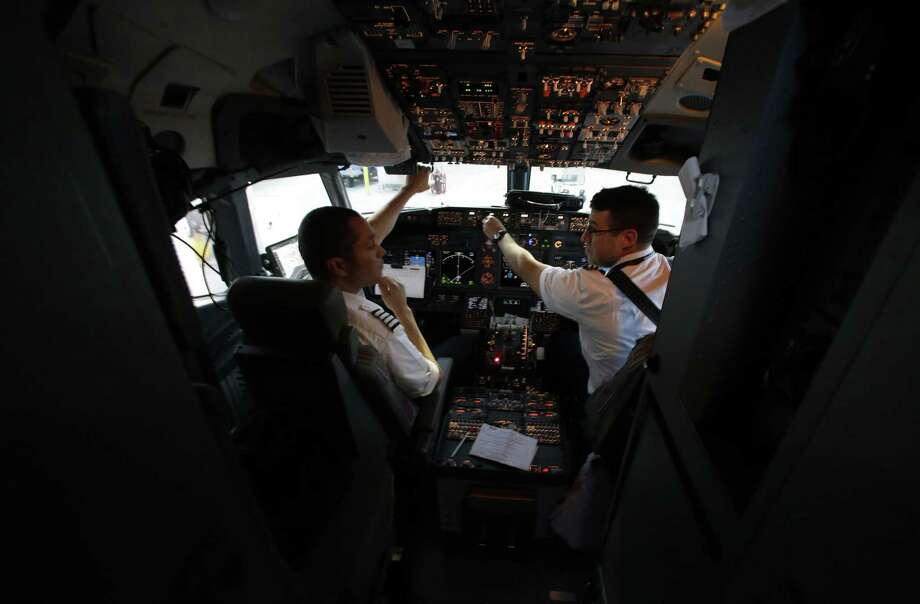 FILE-- The aviation industry is looking to gain 637,000 new pilots worldwide by 2036. North America alone will need 117,000 new pilots to reach the demand.  Photo: LM Otero / AP