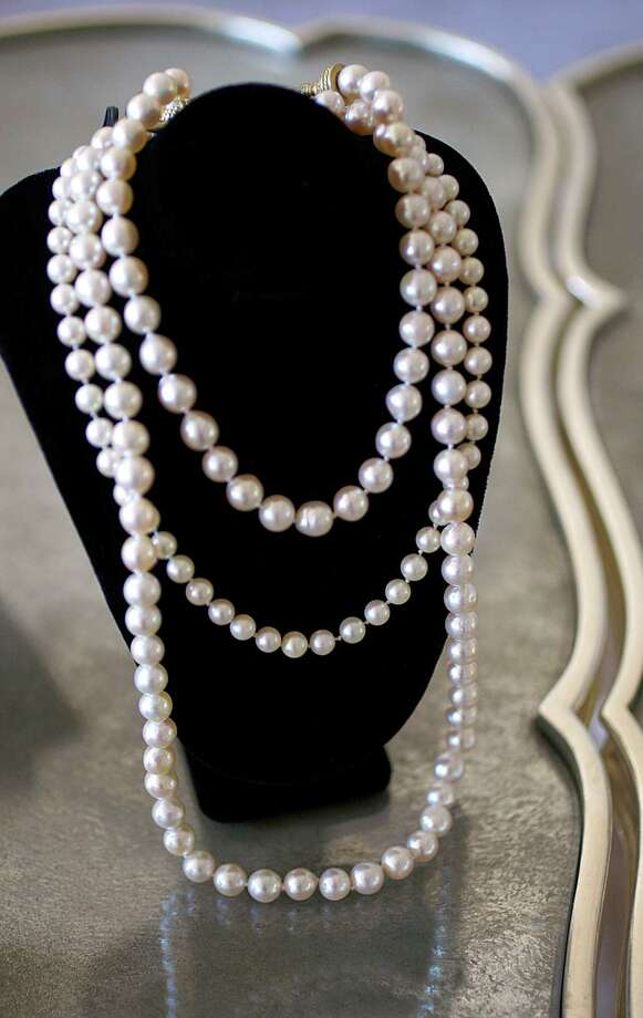 A graduated pearl necklace, $2,950, from RoseRoss. Photo: Liz Hafalia / The Chronicle / ONLINE_YES