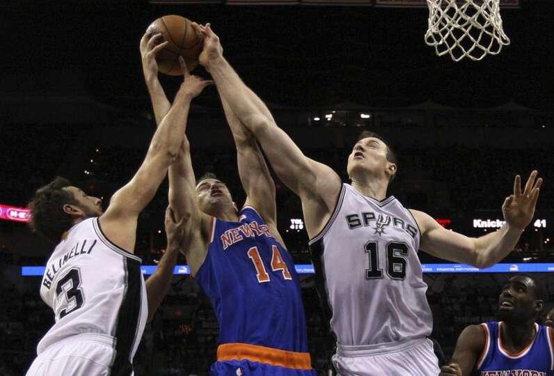Spurs Vs Knicks Detail: San Antonio Spurs' Marco Belinelli And Aron Baynes