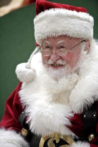 Santa at the mall - NewsTimes