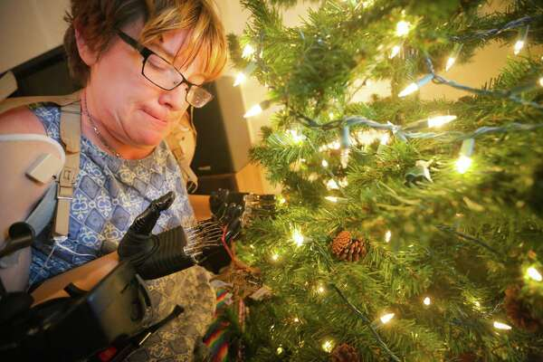 Kingwood amputee, family return home for the holidays