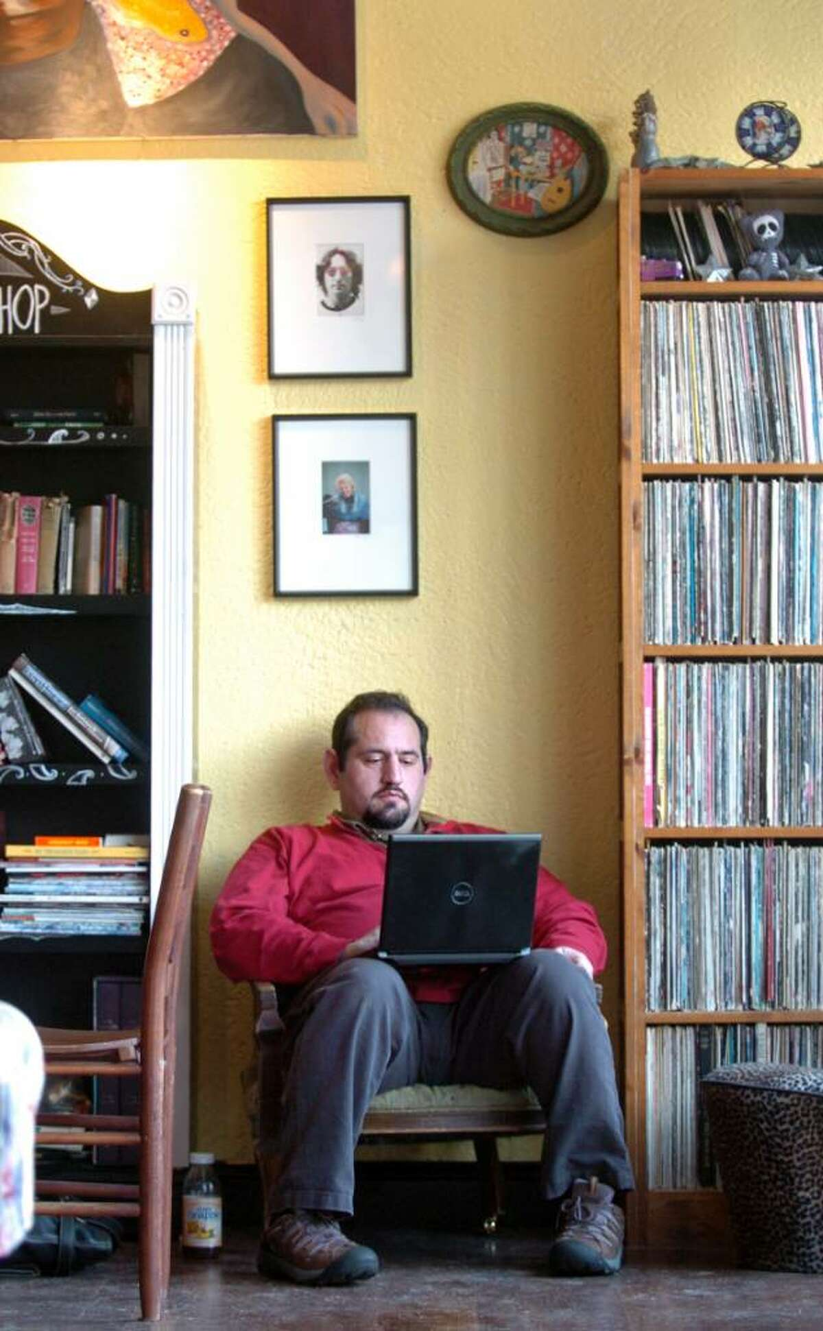 Peter Temes, of Fairfield, gets some work done Thursday Feb. 18, 2010 at Las Vetas Lounge now open at their new location on Unquowa Road in Fairfield.