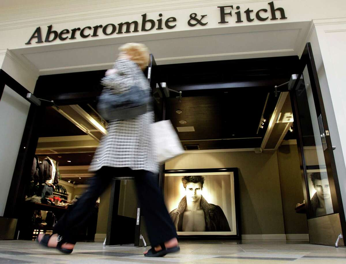 Drops in sales and weak profit forecasts are quite a change for the retailers that gained popularity in the last decade among teens.