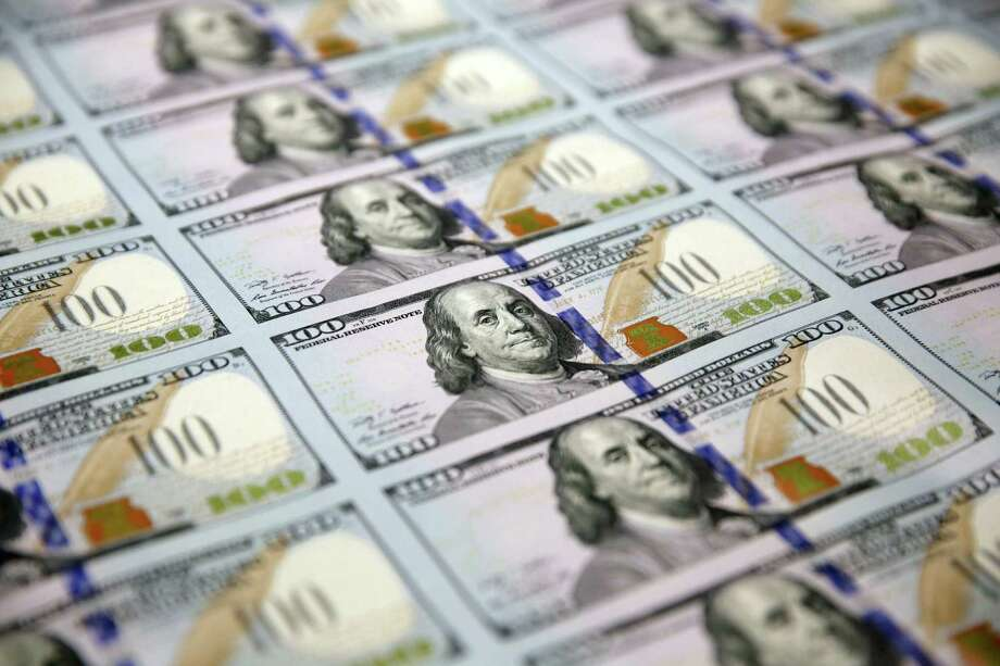 The debate at the Fed:  Should an improved economy or excessively low inflation be given more weight? Photo: LM Otero, STF / AP