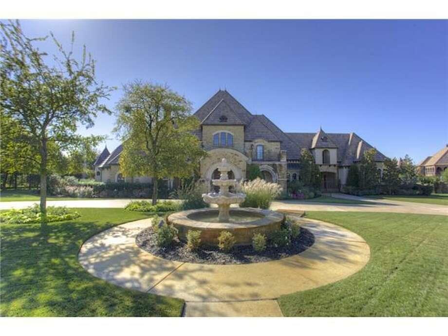 9517 Bella Terra DriveFort Worth, Texas 76126Listing price: $2.9 million 5 bedrooms / 5 full bathrooms & 2 half bathrooms / 10,146 square feet Photo: Realtor.com