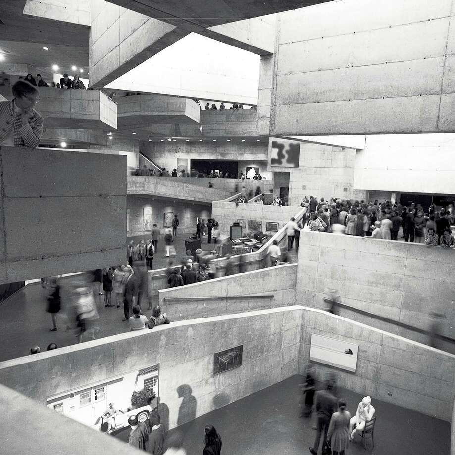the opening University of California Art Museum, which opened November 1970 Photo taken November 5, 1970 Photo: Greg Peterson / The Chronicle / ONLINE_YES