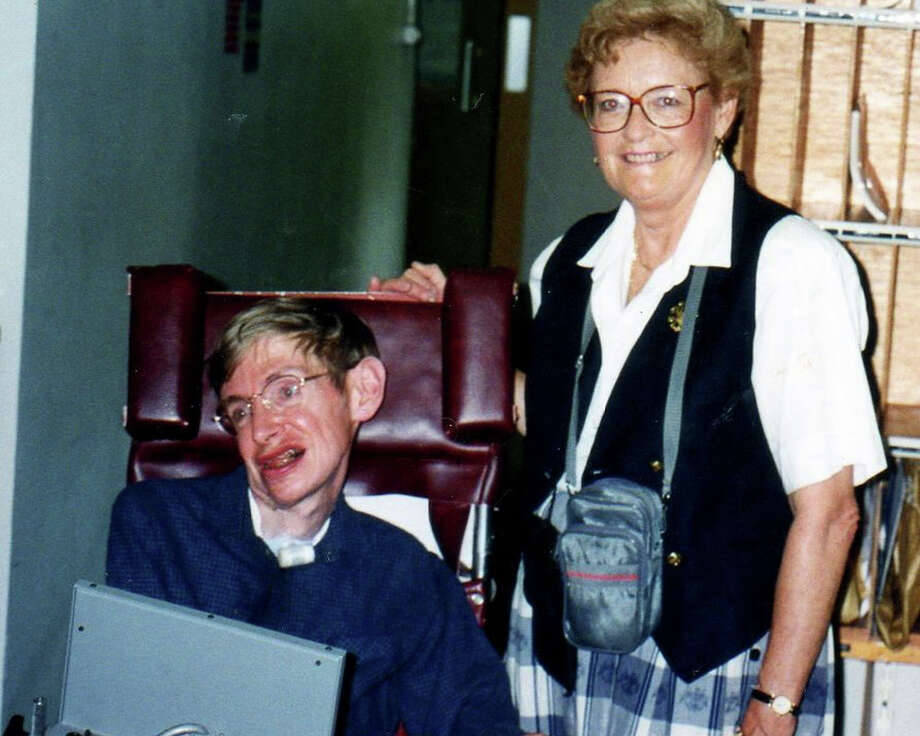In 1994, Greenwich High School teacher, Elinor Carr traveled to Cambridge University in hopes of meeting theoretical physicist Stephen Hawking which she did by chance in the hallway outside his office in the Applied Mathematics and Theoretical Physics Building. ìHe was so pleasant and courteous,î recalls Carr. Photo: Contributed Photo / Greenwich Time Contributed