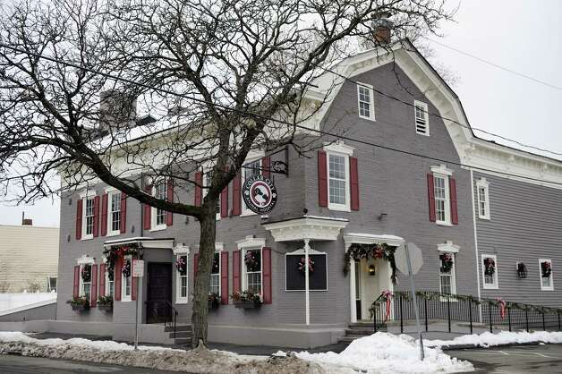 Collar City Animal Hospital, formerly the Lansingburgh Veterinary Hospital, in a new location at the former site of the Old Daley Inn, 499 House, and other restaurants on Tuesday Dec. 16, 2014, in Troy, N.Y. (Cindy Schultz / Times Union) Photo: Cindy Schultz / 00029872A