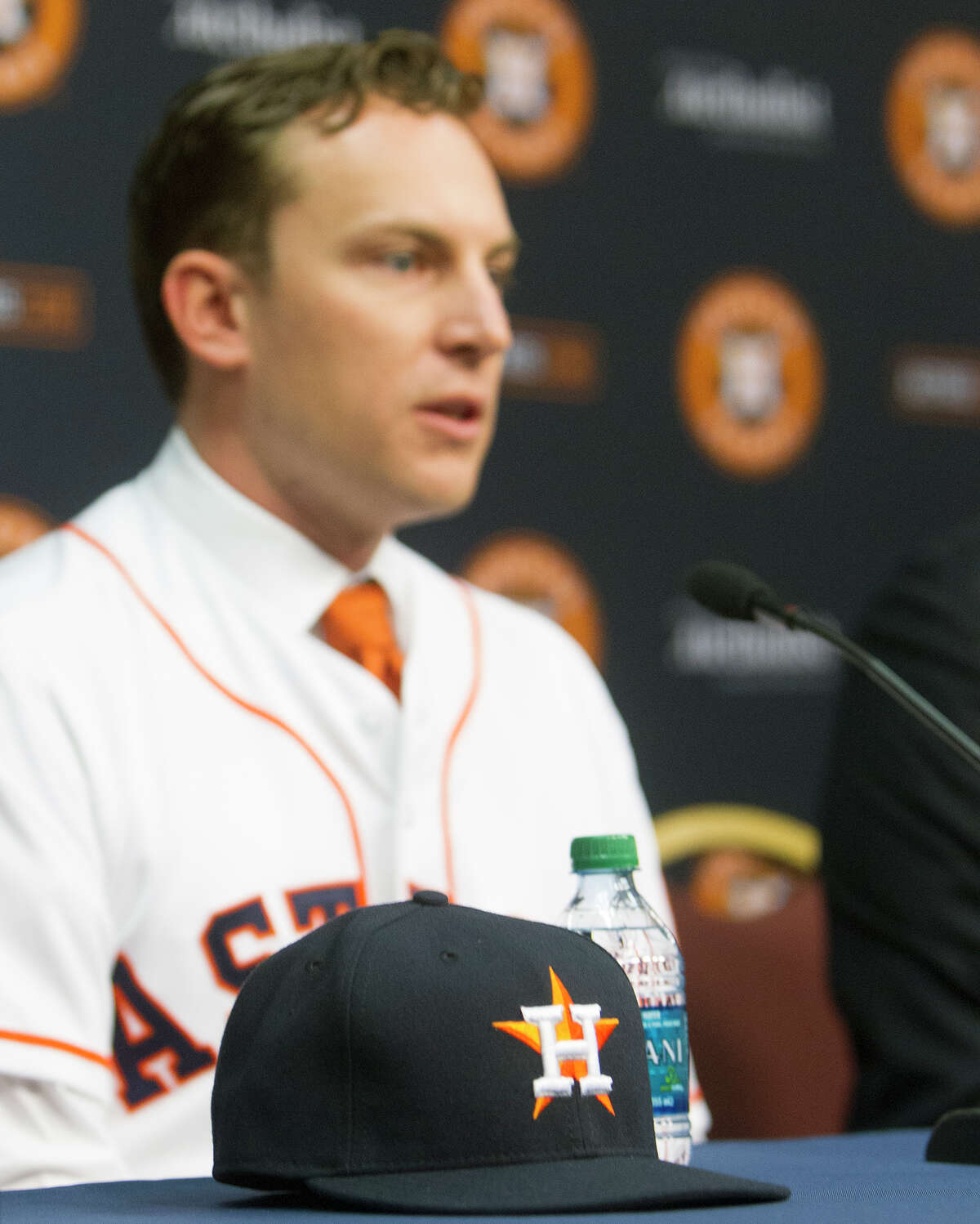 """Jed Lowrie praised the Astros on Tuesday, saying, """"They've obviously got a desire to have you be a part of the organization. ... That's not always the case in free agency."""""""