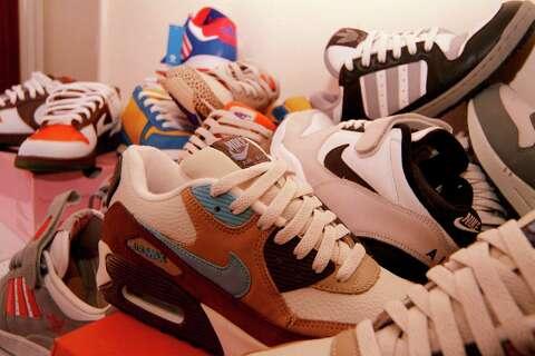 c172c1a008 This is how much it costs Nike to make a pair of  100 sneakers ...