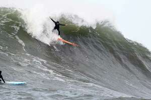 'Totally historic and awesome' event for women at Mavericks - Photo