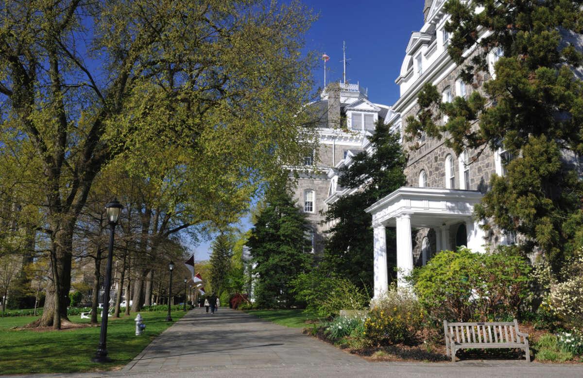 24. Swarthmore CollegeWhere: Swarthmore, Pennsylvania SAT range: 1305-1530Acceptance rate: 13 percentNet price:$20,000