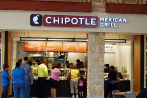 Chipotle is closing its stores today, but for a good reason - Photo