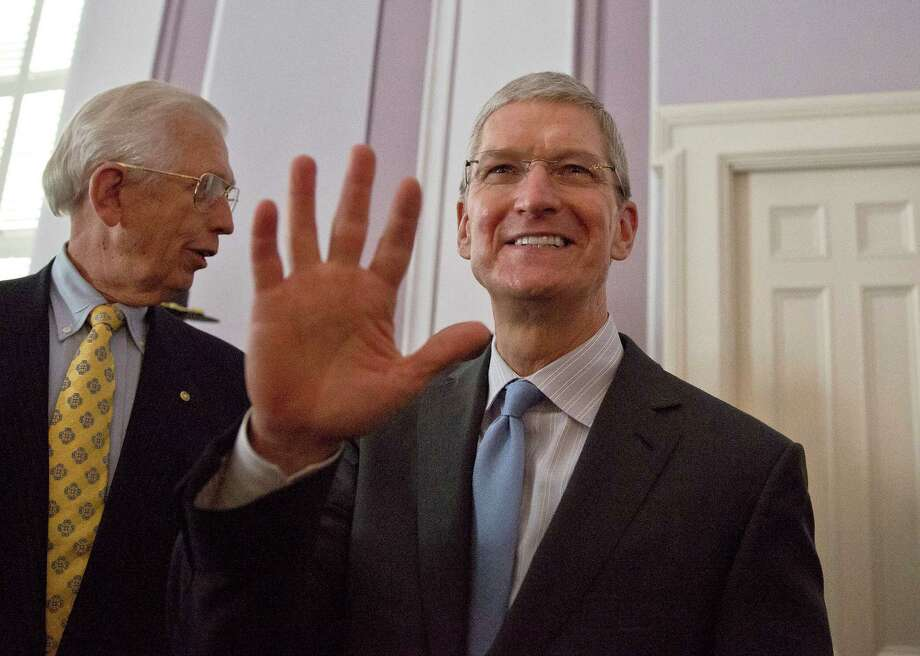Apple CEO and Alabama native Tim Cook waves to the crowd before he is honored at an event in Mortgomery in October. Photo: Brynn Anderson / Associated Press / AP