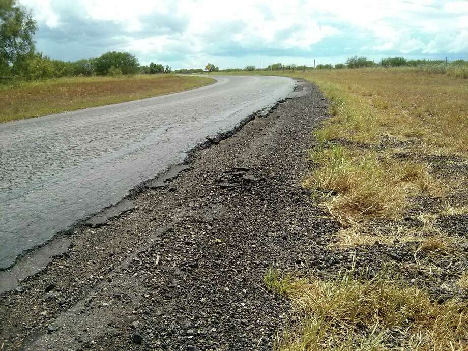 For fiscal year 2015, Proposition 1 is providing TxDOT with an influx of $1.74 billion; of that, $261 million will go to roads in the shale areas. Photo: Express-News File Photo