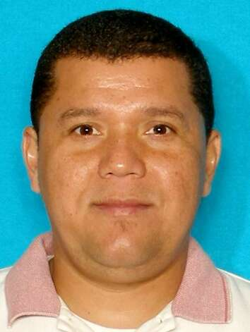 Southeast texas authorities looking for these fugitives for Martin motors beaumont tx
