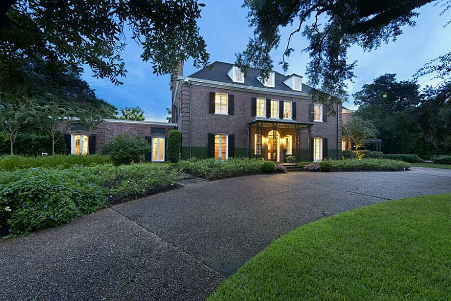 Location: 1323 North Blvd.Year built: 1927Architect: Birdsall P. Briscoe  Photo: Houston Association Of Realtors