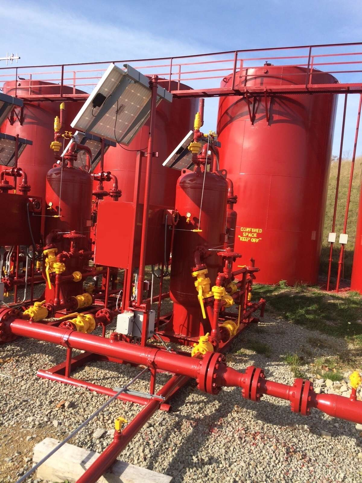 At a well site in Pennsylvania, Vivione Biosciences uses its Rapid-B system, developed for food safety testing and clinical evaluations of blood and urine samples, to identify bacteria that can complicate hydraulic fracturing.