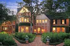 1506 South Boulevard  : 5 bedrooms / 4.5 bathrooms / 6,322 square feet / Price: $4,875,000