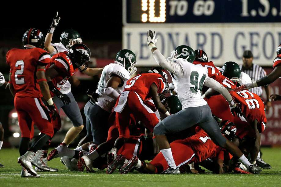 One game in the north and another in the southwest will pit undefeated teams against each other. The meeting between Westfield (4-0) and Spring (4-0) on Friday is a rematch of last year's Class 6A Division II regional championship game won by Westfield. The Mustangs also beat Spring during the regular season en route to the 15-6A title. In the south, Stafford (4-0) will open its new stadium against St. Pius X (5-0) on Friday. St. Pius X has scored at least 42 points in each of its games but will face its toughest defensive test yet against Stafford. Photo: Karen Warren, Staff / © 2014 Houston Chronicle