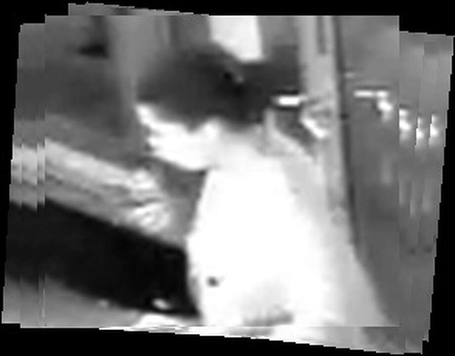Police are seeking to identify this burglary suspect. Photo: Oakland Police / ONLINE_YES
