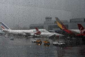 SFO: More than 100 flights canceled due to weather - Photo