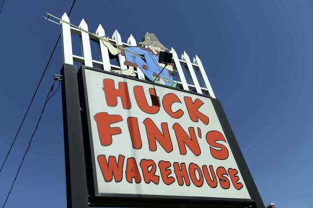Huck Finn's Warehouse and More Friday afternoon, Sept. 19, 2014, in Albany, N.Y. Land near the furniture store is being considered as a new site for the Hoffman's Playland rides. (Will Waldron/Times Union) Photo: WW / 00028707A
