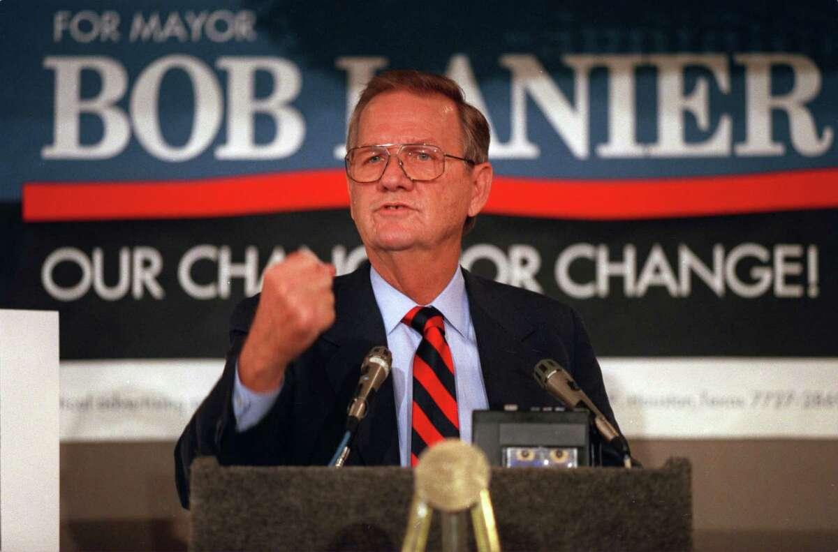 Bob Lanier announces his run for mayor on Aug. 6, 1991 at the Hyatt Regency Magnolia Room.
