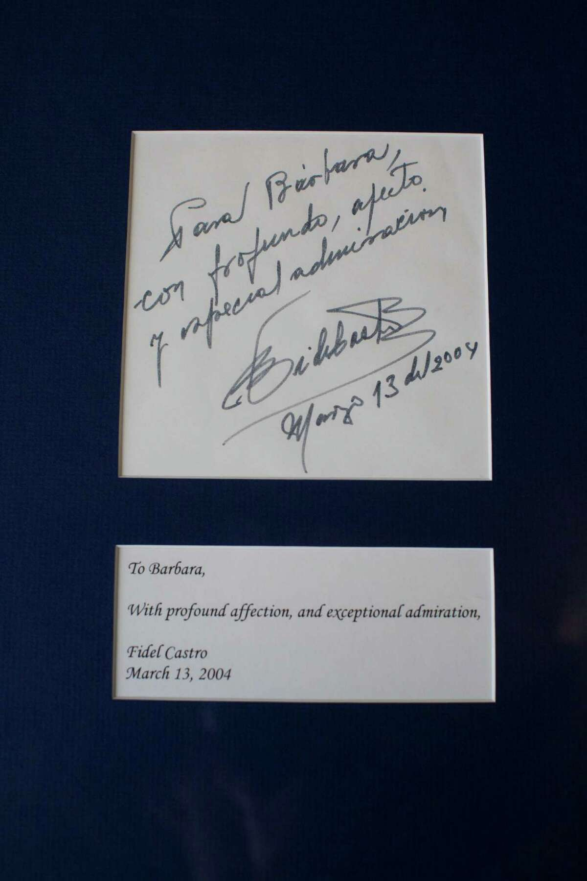 Cuban leader Fidel Castro expressed his admiration for Lee in a handwritten note.