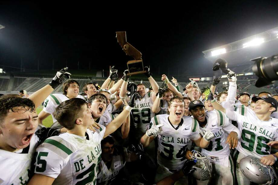 De La Salle celebrates after setting state bowl records for yards (595), rushing yards (559) and rushing TDs (nine). Photo: Chris Carlson / Associated Press / AP