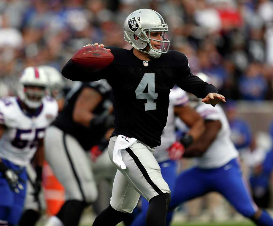 Derek Carr has started every game and has made few mistakes as a rookie quarterback. Photo: Scott Strazzante / The Chronicle / ONLINE_YES