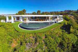 Minecraft creator outbids Beyonce and Jay-Z for $70M Beverly Hills mansion - Photo