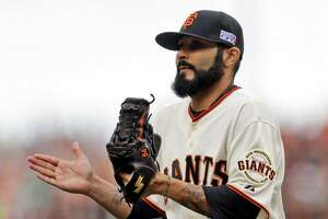 SF Giants' Marco Scutaro has back surgery; Sergio Romo discusses return - Photo