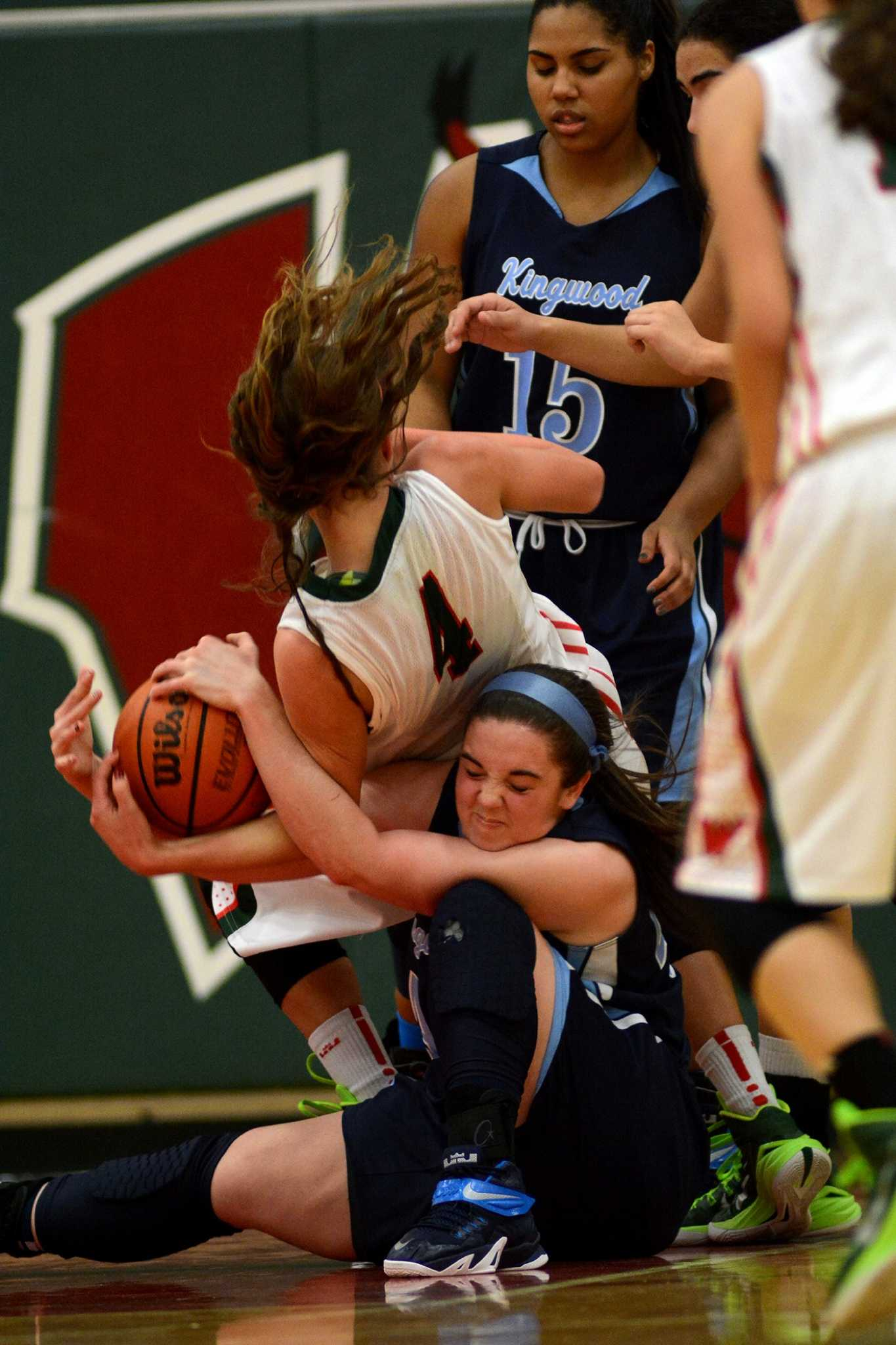 Juanita girls basketball finds its groove, picks up first