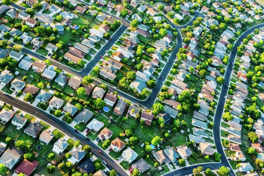 Fitch analysts rank San Antonio's housing market among the top most overvalued in the nation. Photo: David Sucsy, Getty Images / (c) David Sucsy