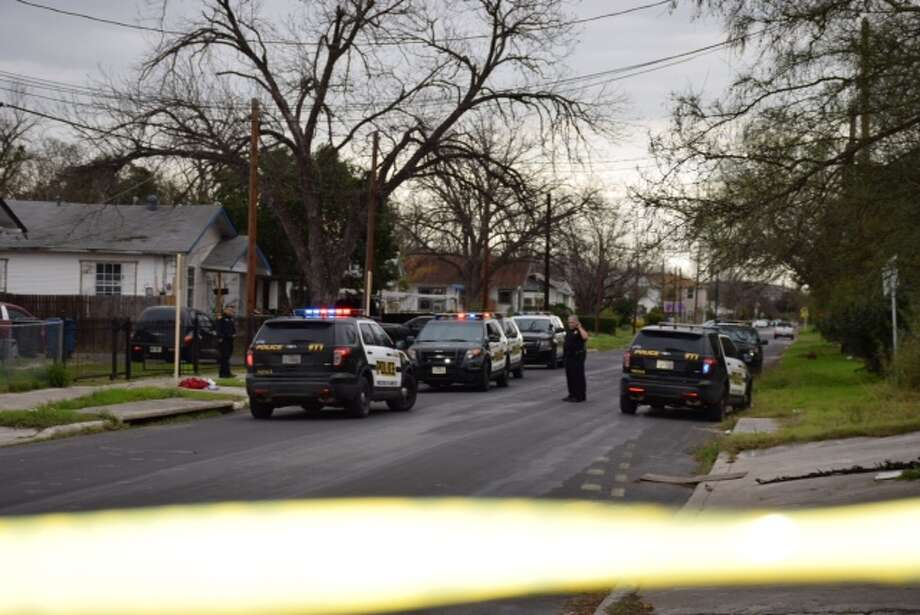 San Antonio police are currently investigating to shooting on the East Side. Officers were called to the 1500 block of Dawson around 10 a.m. Photo: Mark D. Wilson/San Antonio Express-News