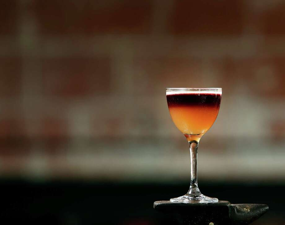 Top restaurants bars share holiday cocktail recipes for Top bar drink recipes