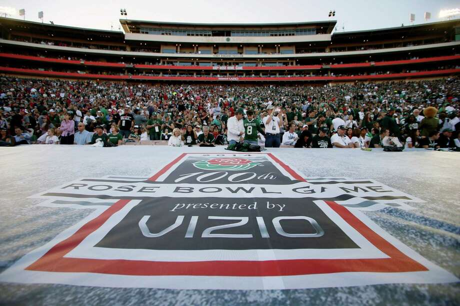 Vizio, the sponsor of the Rose Bowl game in January,has jumped to the Fiesta Bowl this season. Northwestern Mutual is the new Rose Bowl sponsor. Photo: Danny Moloshok / Associated Press / FR161655 AP