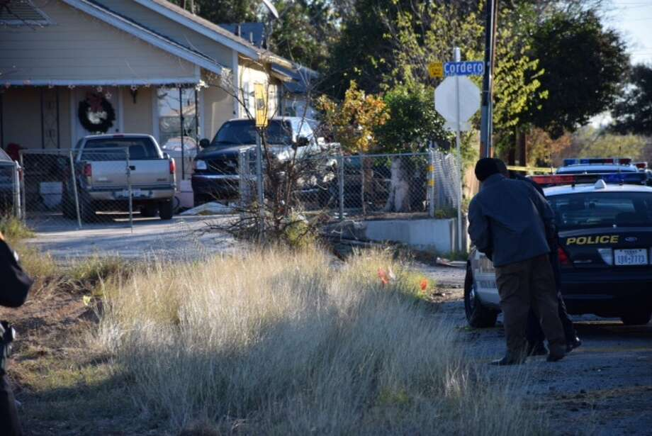 San Antonio police are investigating a body found Wednesday morning on the South Side. Photo: By Mark D. Wilson/San Antonio Express-News