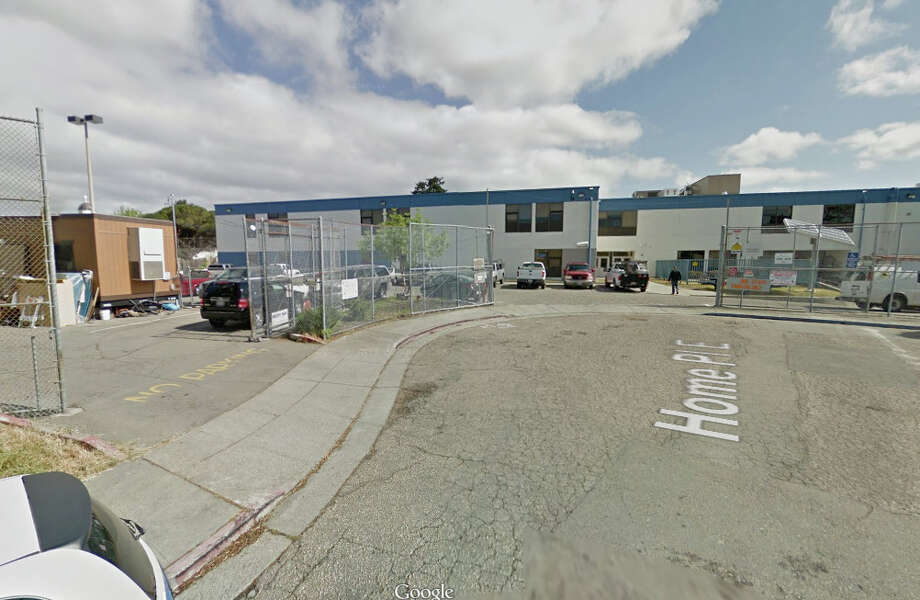A wedding photographer was robbed of more than $13,000 dollars worth of camera gear at Oakland High School in Oakland, Calif. Photo: Google Maps