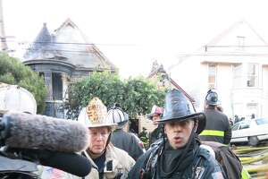 Two homes burned, no injuries, in SF's Potrero Hill fire - Photo