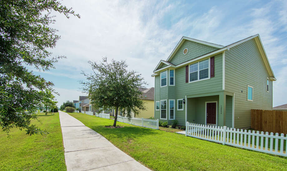 LGI Homes offers lakeside homes starting at $939 per month