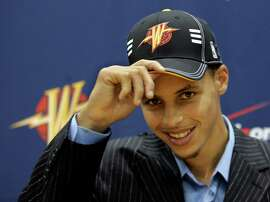 The Warriors draft guard Stephen Curry in 2009.