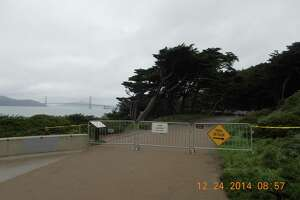 Storm damage closes Lands End trail in San Francisco - Photo